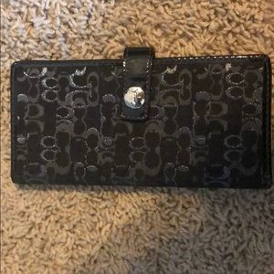 Super cute and simple coach wallet